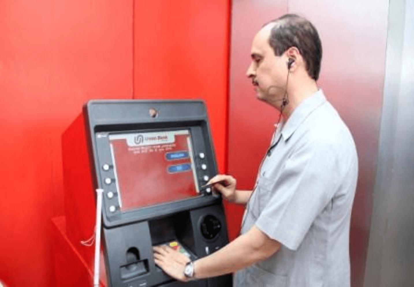 "Cyber Criminals Using ""'Jackpotting' to Hack U.S. ATMs, warns Secret Service"